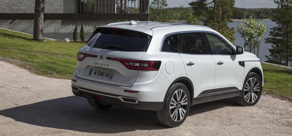 Den Koleos der zweiten Generation bietet Renault ab 31.990 Euro mit Frontantrieb an, mit Allrad gibt es das Midsize-SUV ab 36.990 Euro.