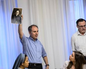 Am Domplatz konnten die Besucher schauen, ob der Bischof da ist. Archivar Martin Kapferer zeigte ein Foto von Paulus Rusch.