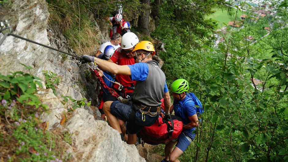Klettersteig Set Wien : Bergretter bargen schwerverletzte in schwendau aus klettersteig