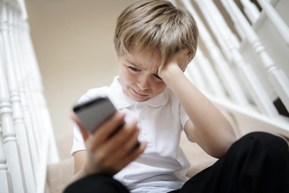 Ob Facebook, WhatsApp oder Instagram – für Mobbing-Opfer geht in einer vernetzten Welt das Leiden auch abseits der Schule weiter.<span class=&quot;TT11_Fotohinweis&quot;>Fotos: iStock</span>