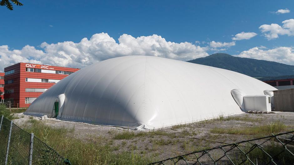 In Innsbruck soll die Traglufthalle einer Nachnutzung zugeführt werden. Bis dato ohne Erfolg.