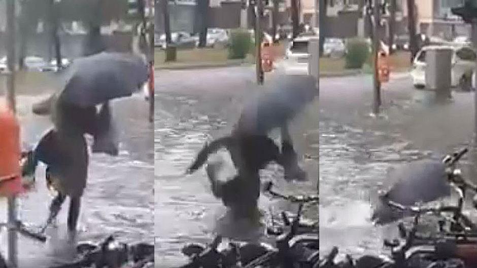 Diese Frau wollte eigentlich eine Straße überqueren. Dann ging sie unfreiwillig auf Tauchgang.
