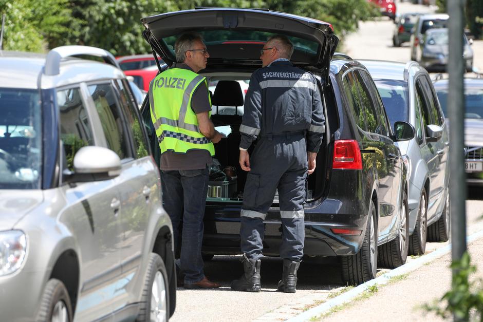 Einsatzkräfte am 30. Juni am Tatort in Linz.