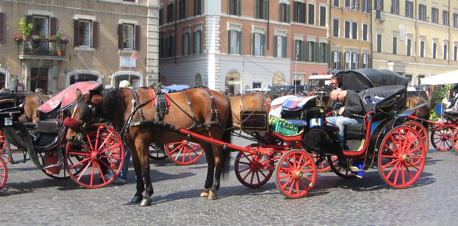"""Roms Regierung plant , die """"botticelle"""", deren Name in etwa """"kleine Fässer"""" bedeutet, im Laufe des Sommers aufs Abstellgleis zu schicken."""