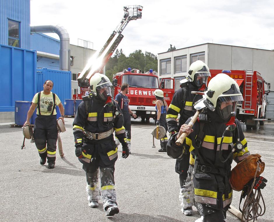 Sieben Feuerwehren mit 140 Einsatzkräften standen im Einsatz.