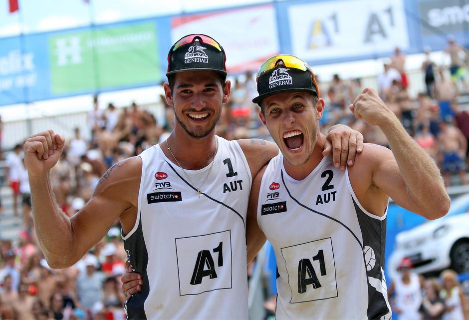 Martin Ermacora (l.) und Moritz Pristauz jubeln über die WM-Teilnahme.