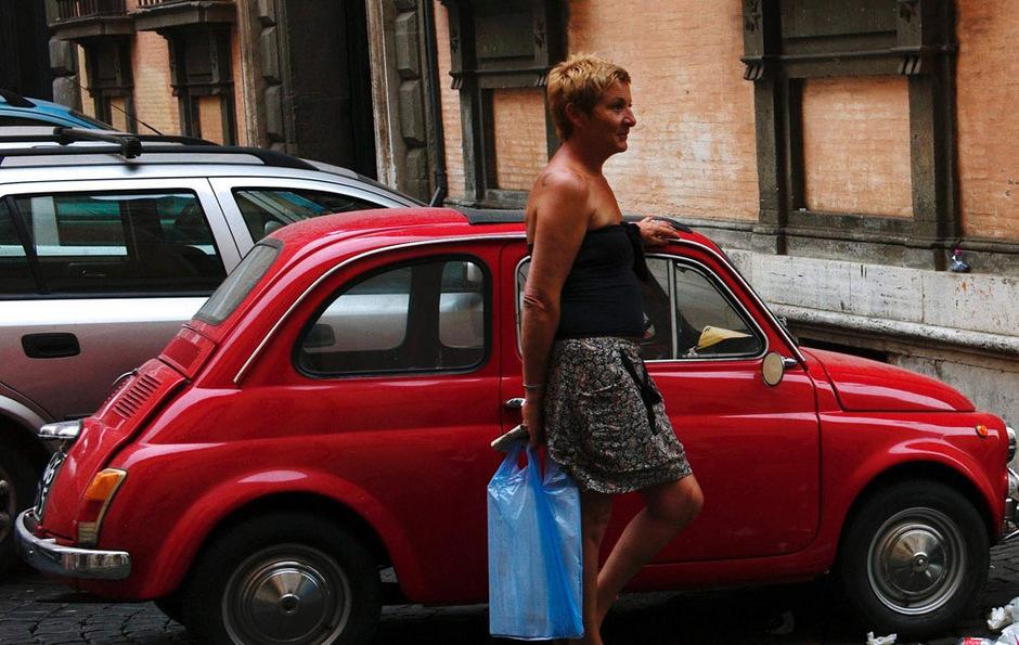Trotz der neuen Varianten bleibt der alte Fiat 500 für viele Italiener ein Kultobjekt.