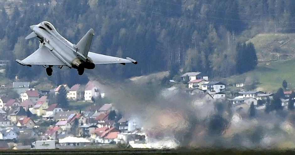 Der Eurofighter steht in Österreich nicht zuletzt wegen des U-Ausschusses stark in der Kritik. Experten finden ihn aber besser als seinen Ruf.