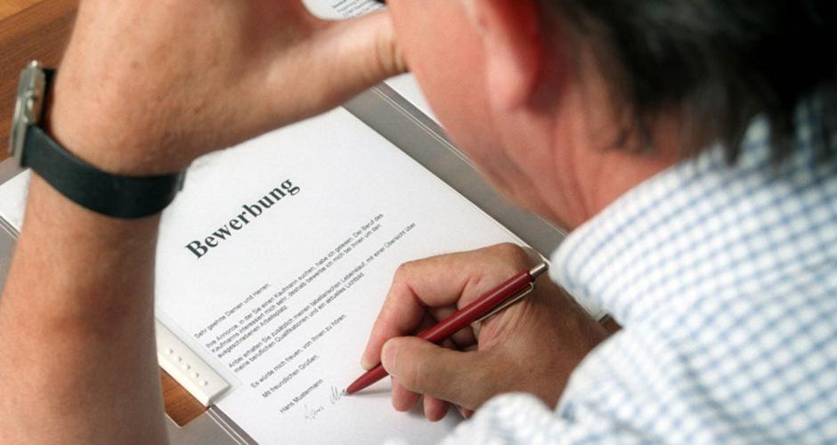 Ältere Job-Suchende sind mit vielen Vorurteilen behaftet. Das soll sich mit der Aktion 20.000 ändern.