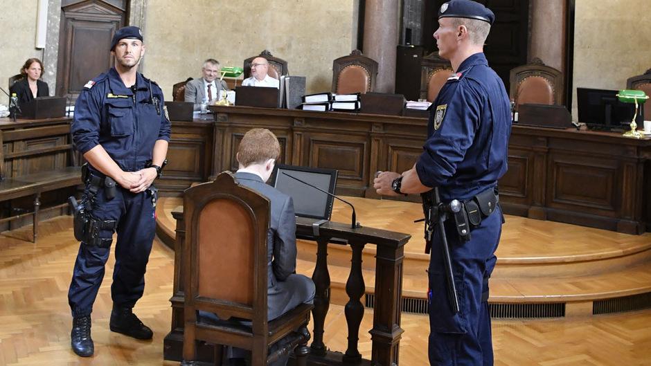 Hunderte Zuschauer verfolgten den Prozess in Wien.