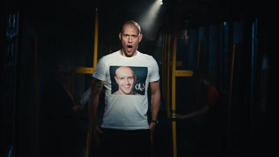 """Oli P. singt im BVG-Spot seinen Part in der """"Zauberflöten""""-Arie selbst."""