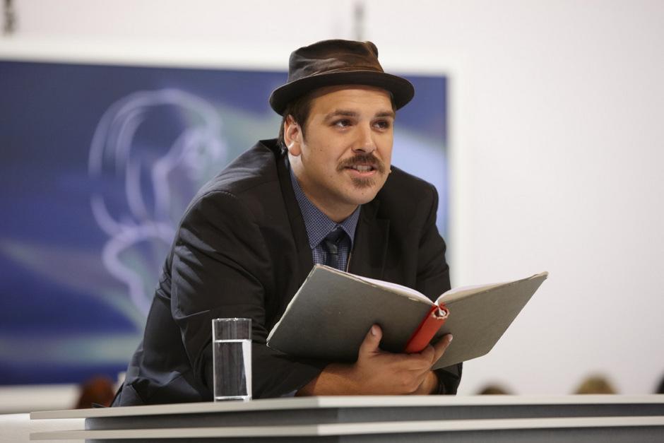 Der bislang vornehmlich als Dramatiker in Erscheinung getretene Ferdinand Schmalz hat gute Chancen auf den Bachmann-Preis.