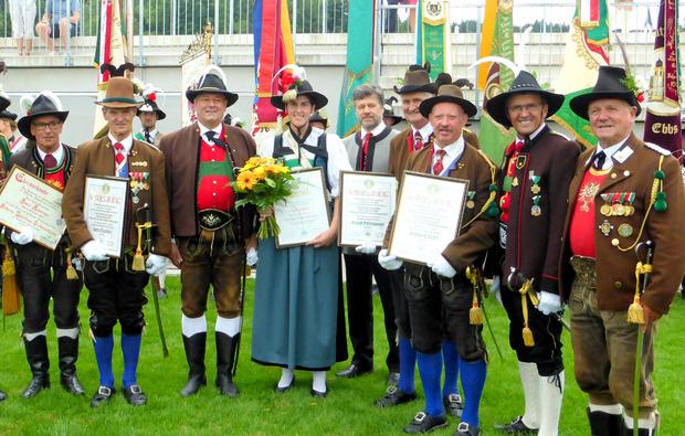 Auch Minister Andrä Rupprechter gratulierte den Ausgezeichneten.