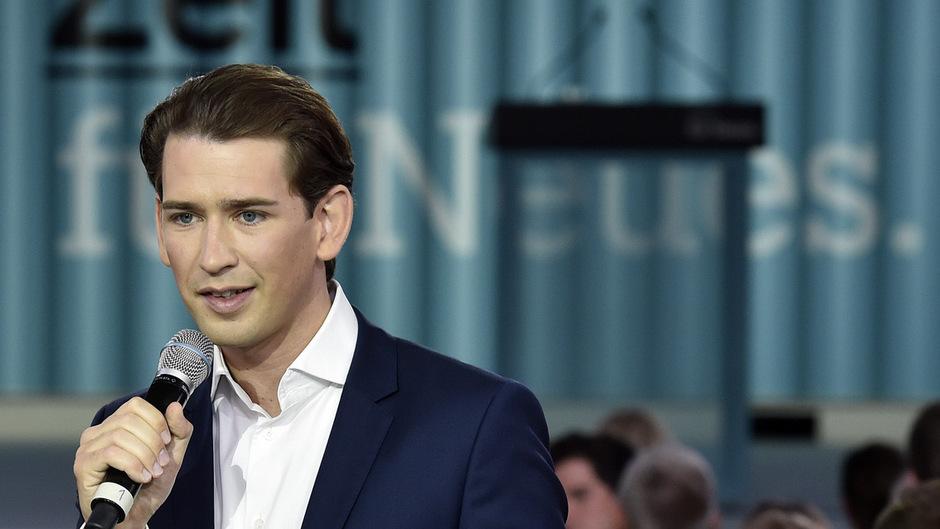 Obwohl der Hype langsam abkühlt, liegt die ÖVP mit ihrem neuen Obmann Sebastian Kurz in den Umfragen immer noch auf dem ersten Platz.