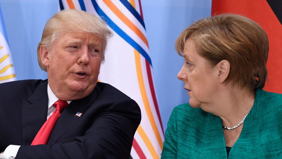US-Präsident Trump und die deutsche Kanzlerin Merkel bei einem Gespräch während des G20-Gipfels in Hamburg.