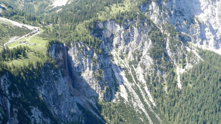 Klettersteig Ehrwald : Bedienfehler kletterer stürzte in ehrwald meter den