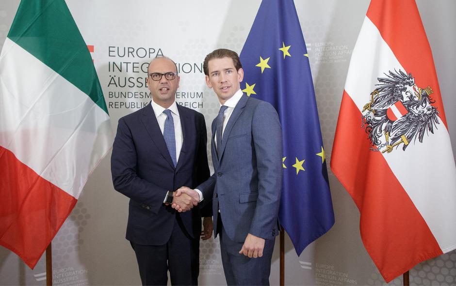 Aussenminster Sebastian Kurz (r.) und der italienische Außenminister Angelino Alfano.