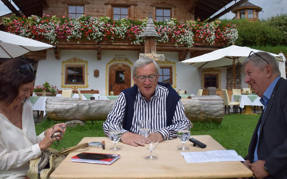 EU-Kommissionspräsident Juncker ist für seinen Humor bekannt und teils gefürchtet. Auch im Gespräch mit Chefredakteur Mario Zenhäusern und Chefreporterin Anita Heubacher sorgte er für Unterhaltung.
