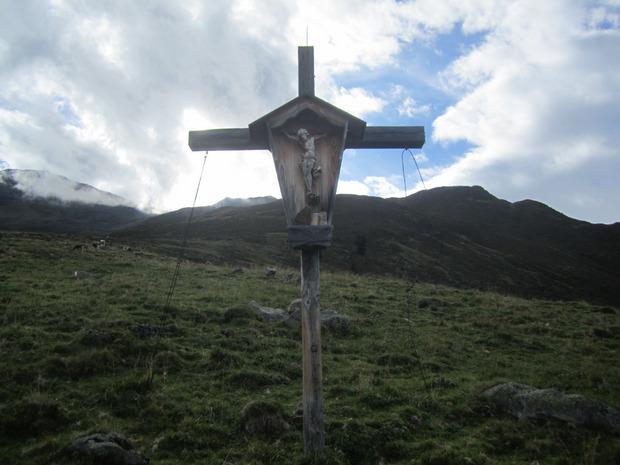 Blick zu Fotscher Windegg und Gamskogel.