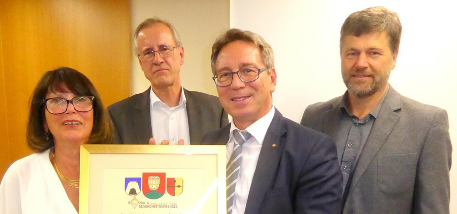 Ehrenobfrau Edith Haller, der neue Obmann BM Josef Dillersberger, BM Martin Krumschnabel (Kufstein) und BM Hannes Juffinger (Thiersee, v.l.).