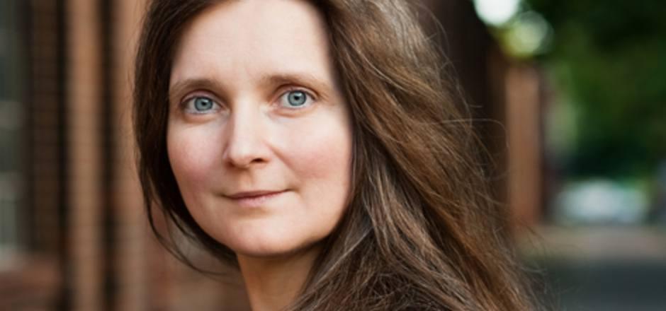 """Bereits Marion Poschmanns """"Schwarzweißroman"""" (2005) und """"Die Sonnenposition"""" (2013) waren für den Deutschen Buchpreis nominiert."""