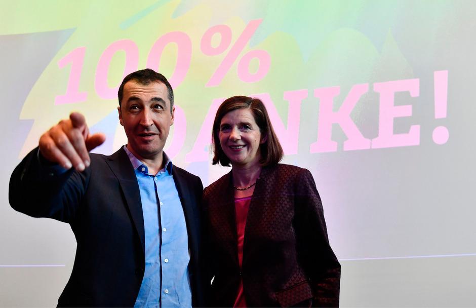 Die Fraktionsvorsitzende Katrin Göring-Eckardt und der Ex-Bundesvorsitzende der Grünen Cem Özdemir.