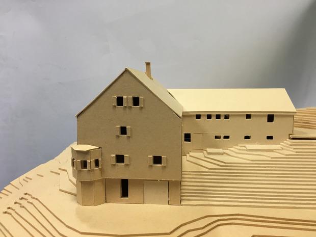 Das Hauptgebäude der Falkenhütte bleibt bestehen. Der Quertrakt wird aber komplett erneuert.
