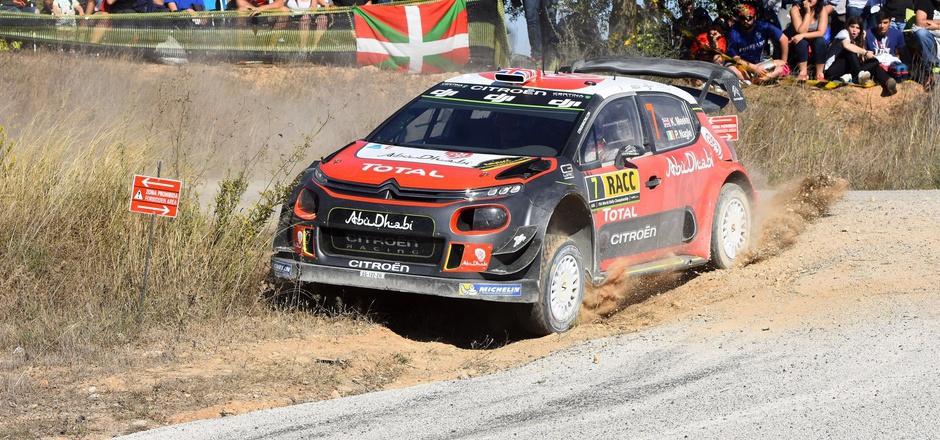 Kris Meeke raste bei der Katalonien-Rallye zum Sieg.