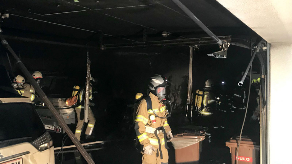 Fast 100 Feuerwehrleute standen im Einsatz.