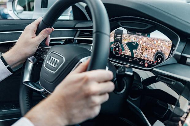 Wie schon in anderen Audi-Baureihen kommt auch im A8 ein volldigitales Instrumentarium zum Einsatz.