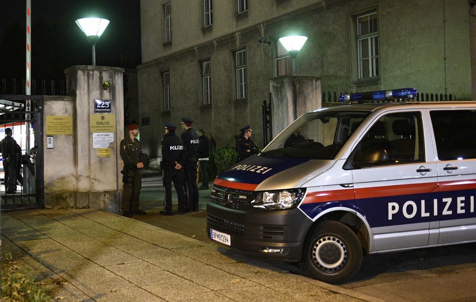 Neben der Militärpolizei war auch die Polizei am Ort des Geschehens im Einsatz.