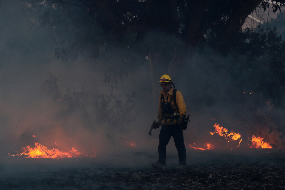 Insgesamt wüteten derzeit rund 15 Brände weitgehend unkontrolliert in acht nördlichen Bezirken.