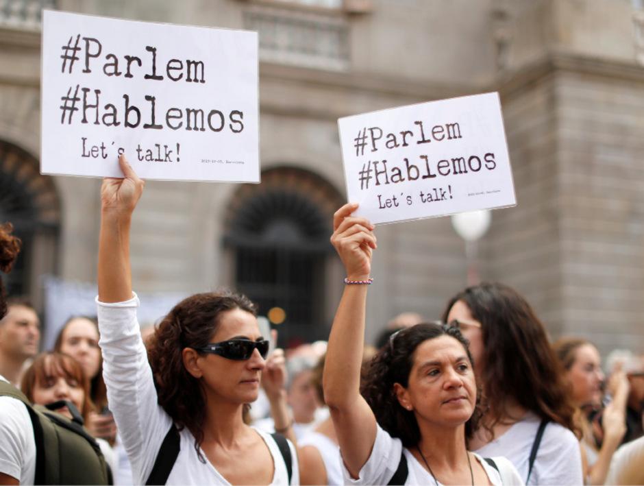 Viele Spanier bevorzugen den Dialog zwischen Zentralregierung und der Region Katalonien.