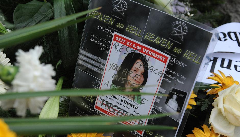 Was ist mit Julia Kührer wirklich passiert? Trotz einer Verurteilung in dem Fall wollen die Gerüchte um ihren Tod nicht verstummen.
