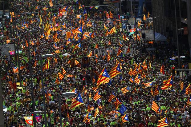 Zehntausende Katalanen demonstrierten in den vergangenen Wochen für die Unabhängigkeit ihrer Region von Spanien.