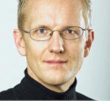 Johannes Huber (43) lebt in Wien, ist Autor und Journalist und betreibt die Internetseite dieSubstanz.at – Analysen und Hintergründe zur Politik.