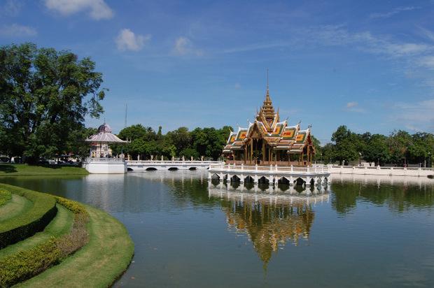 Der Bang Pa-in Palast gehört zur königlichen Sommerresidenz in Ayutthaya.