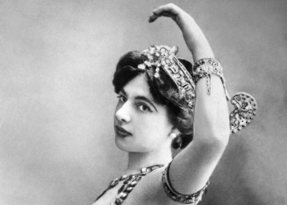 Mata Hari ging als exotische Tänzerin und vermeintliche Meisterspionin in die Geschichte ein.