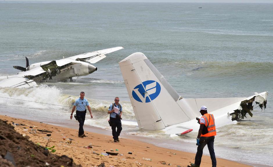 Das Flugzeug stürzte beim Anflug auf den Flughafen Abidjan ins Meer.