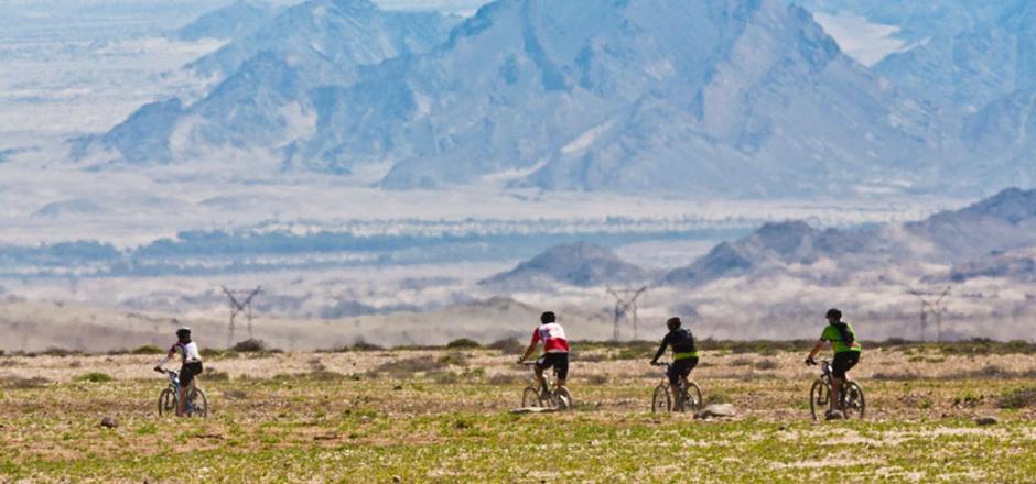 """Rad fahren muss man beim """"Desert Knights"""", bevor die Tage zu heiß werden."""