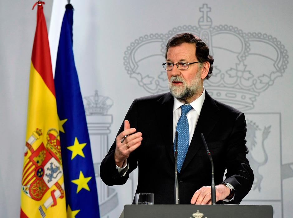 Spaniens Premierminister Mariano Rajoy setzt die katalanische Regionalregierung ab.
