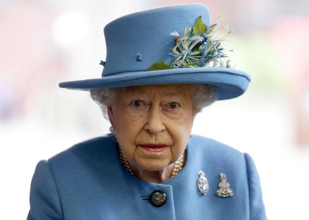 Millionen Pfund aus einer Königin Elizabeth II. gehörenden Liegenschaft seien in einer Steueroase angelegt worden.
