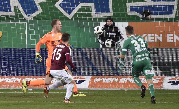 Philipp Prosenik erzielte den späten Rapid-Ausgleich, Ex-Wacker-Kicker Michael Lercher konnte nicht mehr retten.