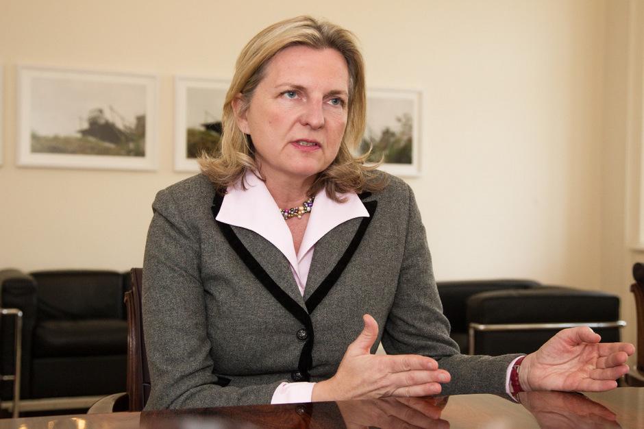 Die Wienerin Karin Kneissl wird neue Außenministerin.