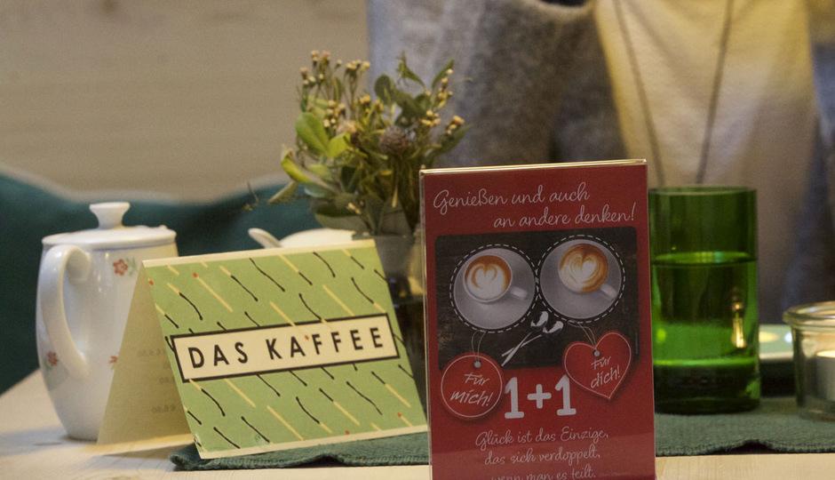 """Mit den Gutscheinen des Projekts """"Kaffee extra 1 + 1"""" kann künftig Kaffee, Tee oder Kuchen in Kaffeehäusern bestellt werden."""
