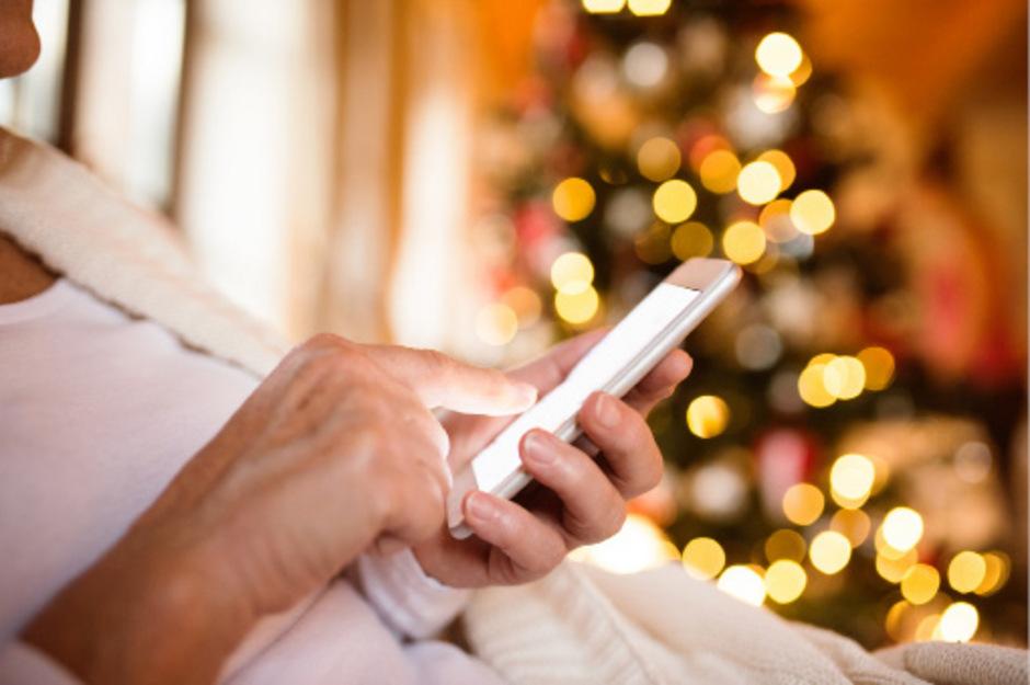 """Zu Weihnachten werden Hunderttausende Smartphones verschenkt. Ärzte raten, beim Kauf auf einen niedrigen SAR-Wert zu achten.<span class=""""TT11_Fotohinweis"""">Foto: iStock</span>"""