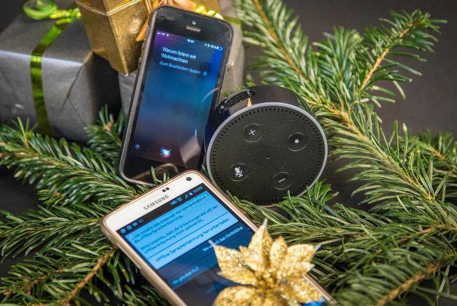 Weihnachten Bilder Bearbeiten.Weihnachten Mit Siri Alexa Und Alice Tiroler Tageszeitung Online