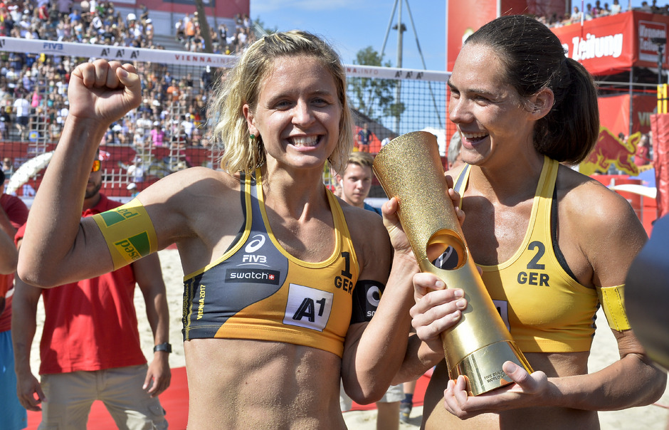Laura Ludwig und Kira Walkenhorst haben nach Olympia-Gold 2016 heuer in Wien auch den Weltmeistertitel gewonnen.