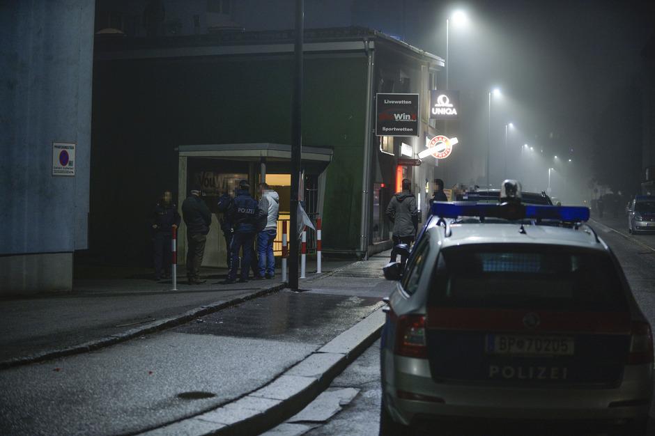 Auch der Überfall auf das Wettlokal am Silvesterabend soll auf das Konto der Schutzgeld-Mafia gehen.