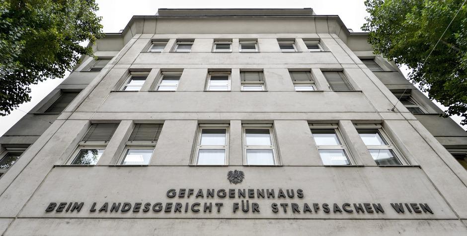 In der Justizanstalt Josefstadt zündete ein Häftling 16. Oktober 2016 eine Matratze an.